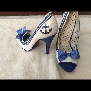 Ellie anchor and bow peeptoe heels